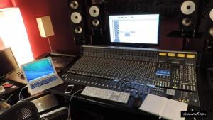 Goemon5 recording an album in the studio